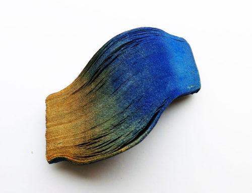 """Vernissage – Flora Vagi, """"Touching Silence"""", smycken i trä och papper"""